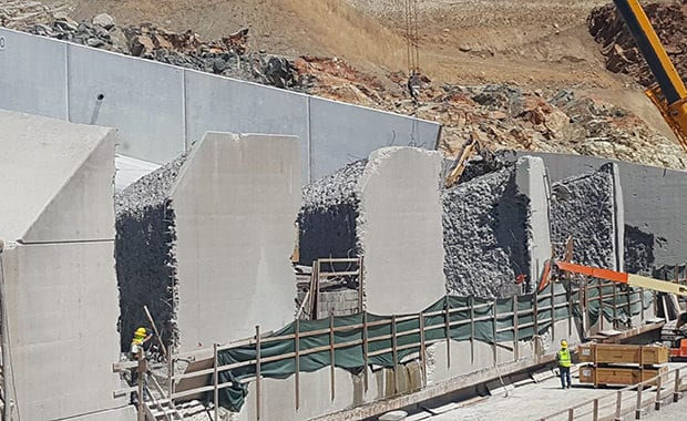 Oroville Dam Emergency Spillway Repair on Existing Terminal Structure and Chute Blocks